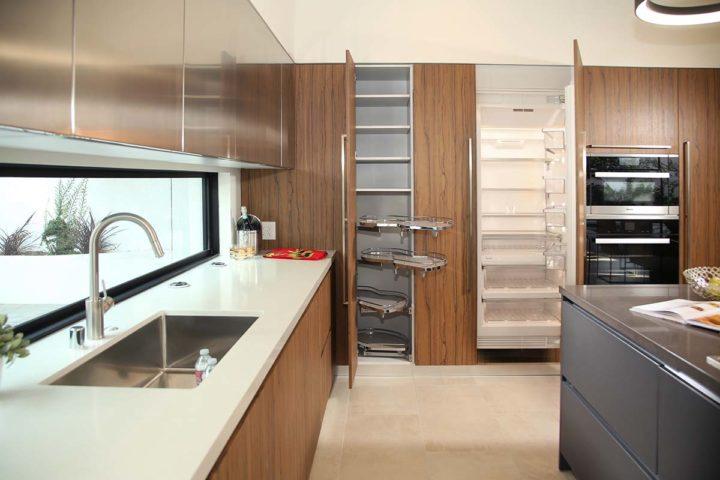 1621 N Fairfax Ave - kitchen fridge
