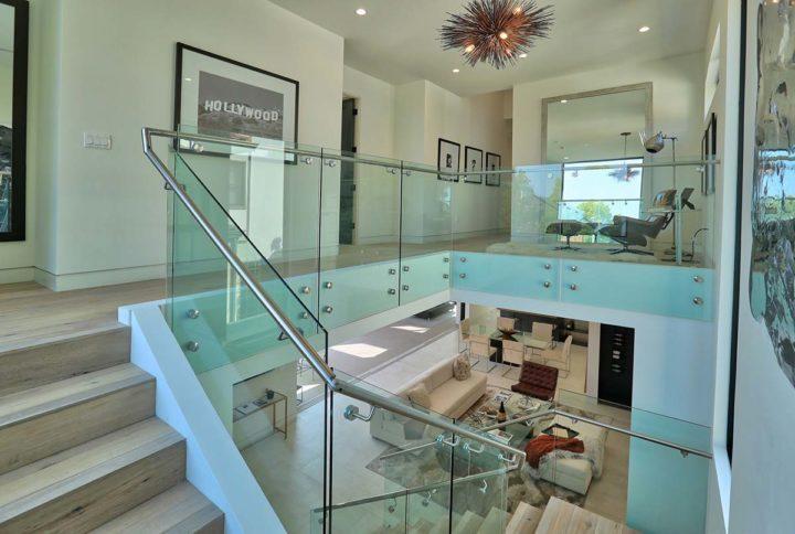 1621 N Fairfax Ave - staircase
