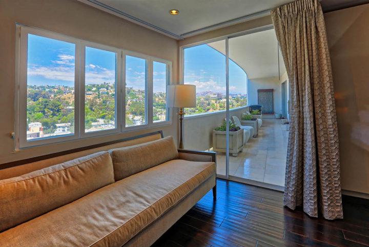 7250 Franklin Ave bedroom balcony
