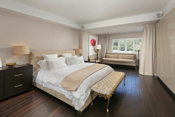 7250 Franklin Ave master bedroom