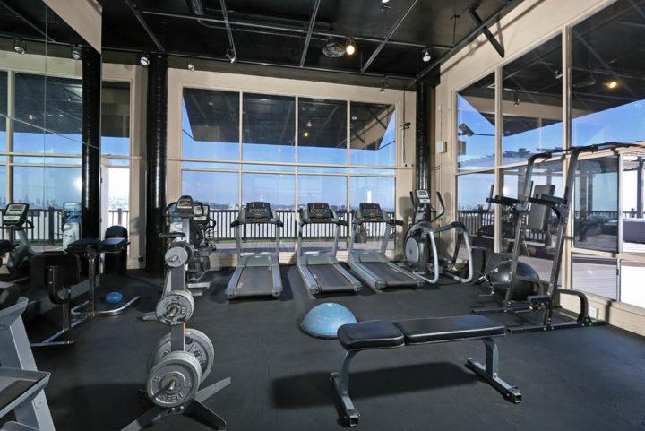 7250 Franklin Ave gym