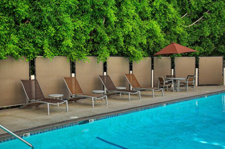 7250 Franklin Ave pool