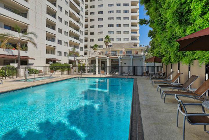 7250 Franklin Ave pool building
