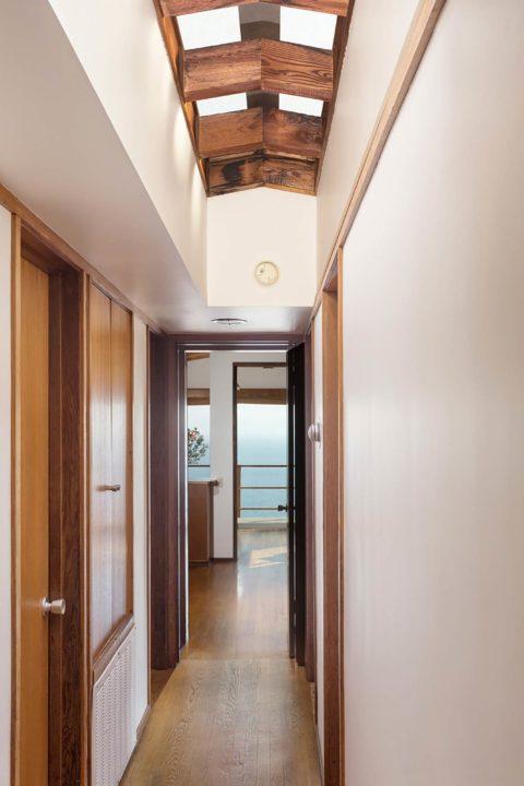 20595 Seaboard Road hallway