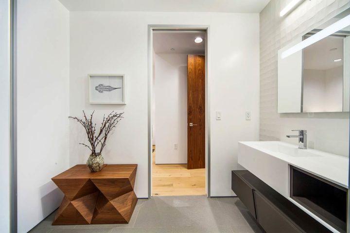 2660 Skywin Way - Updated - bathroom door
