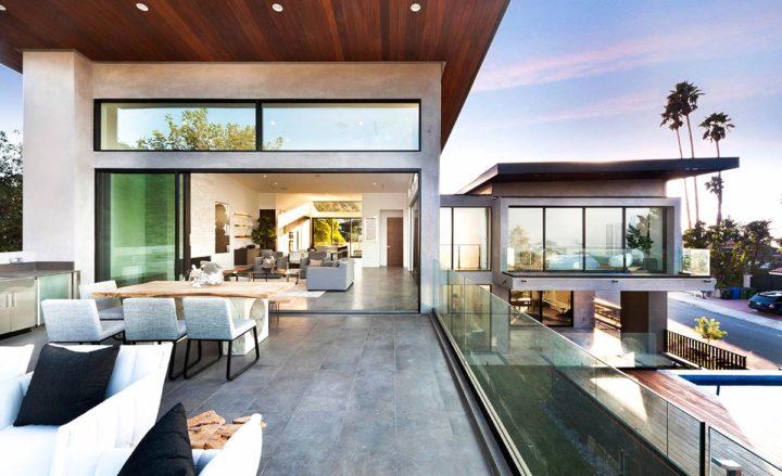 2660 Skywin Way - Updated - balcony pool